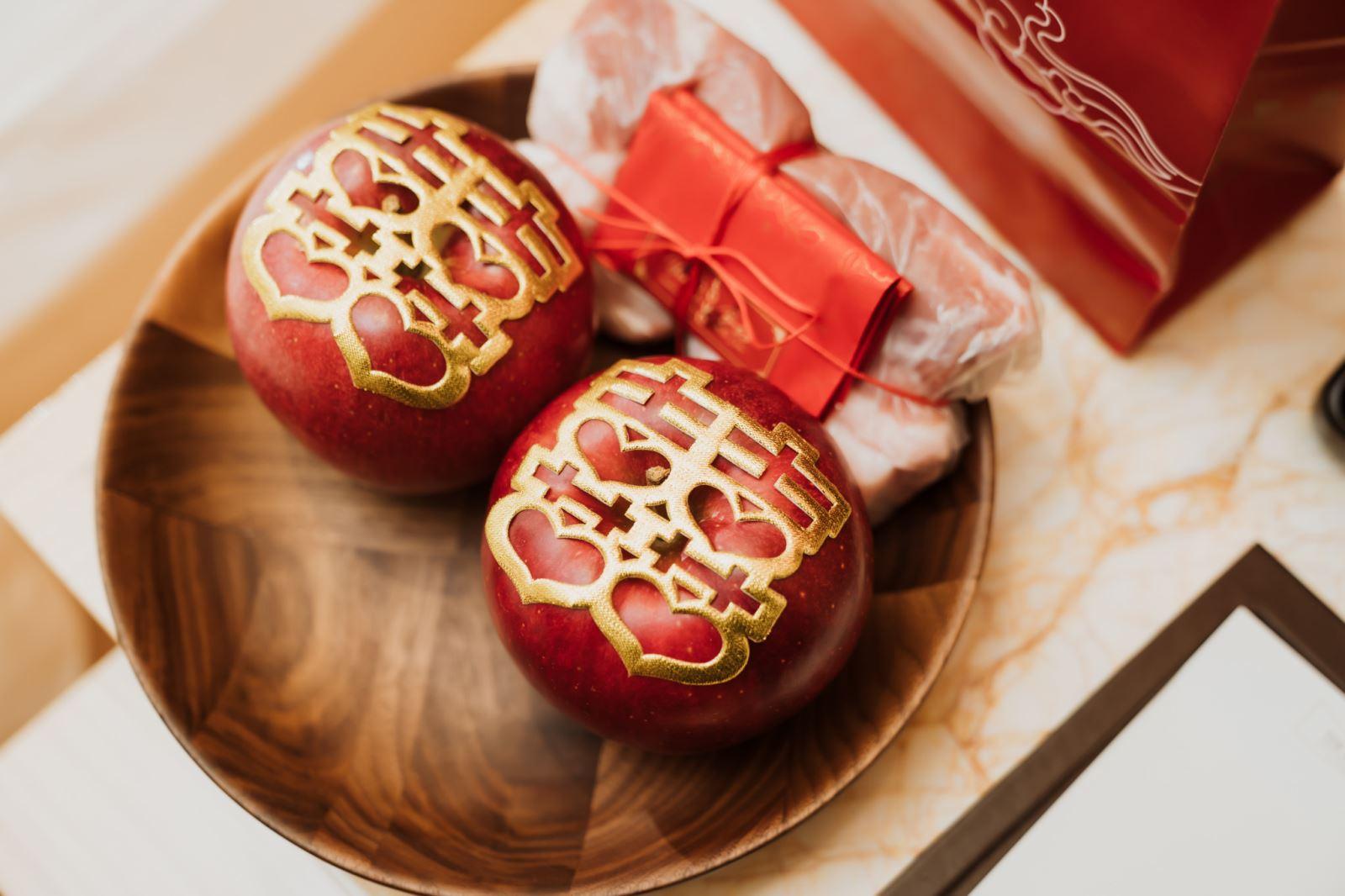 摸蘋果的意義,平平安安