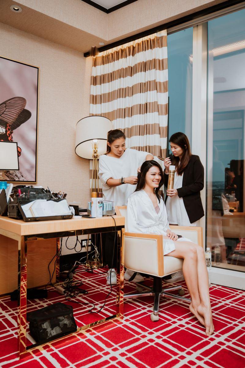 婚顧團隊與專業造型師VIVI Peng在台中林酒店