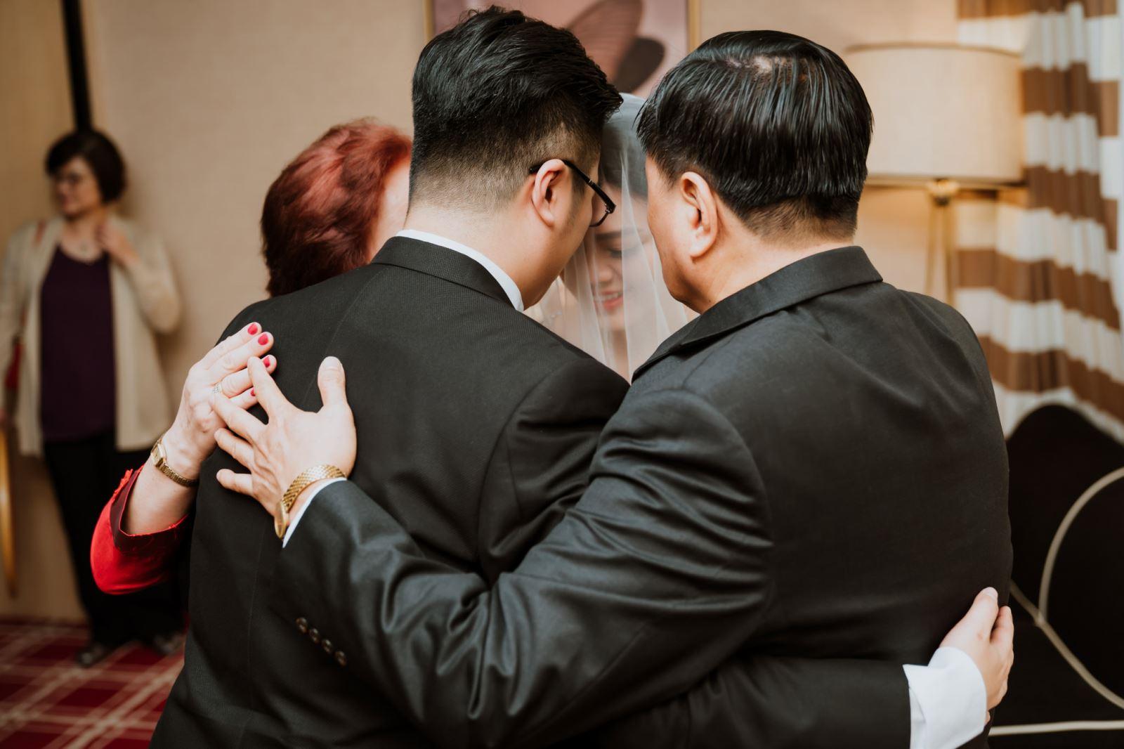 父親母親與女兒與女婿,永遠的一家人,婚禮顧問團隊祝福妳們