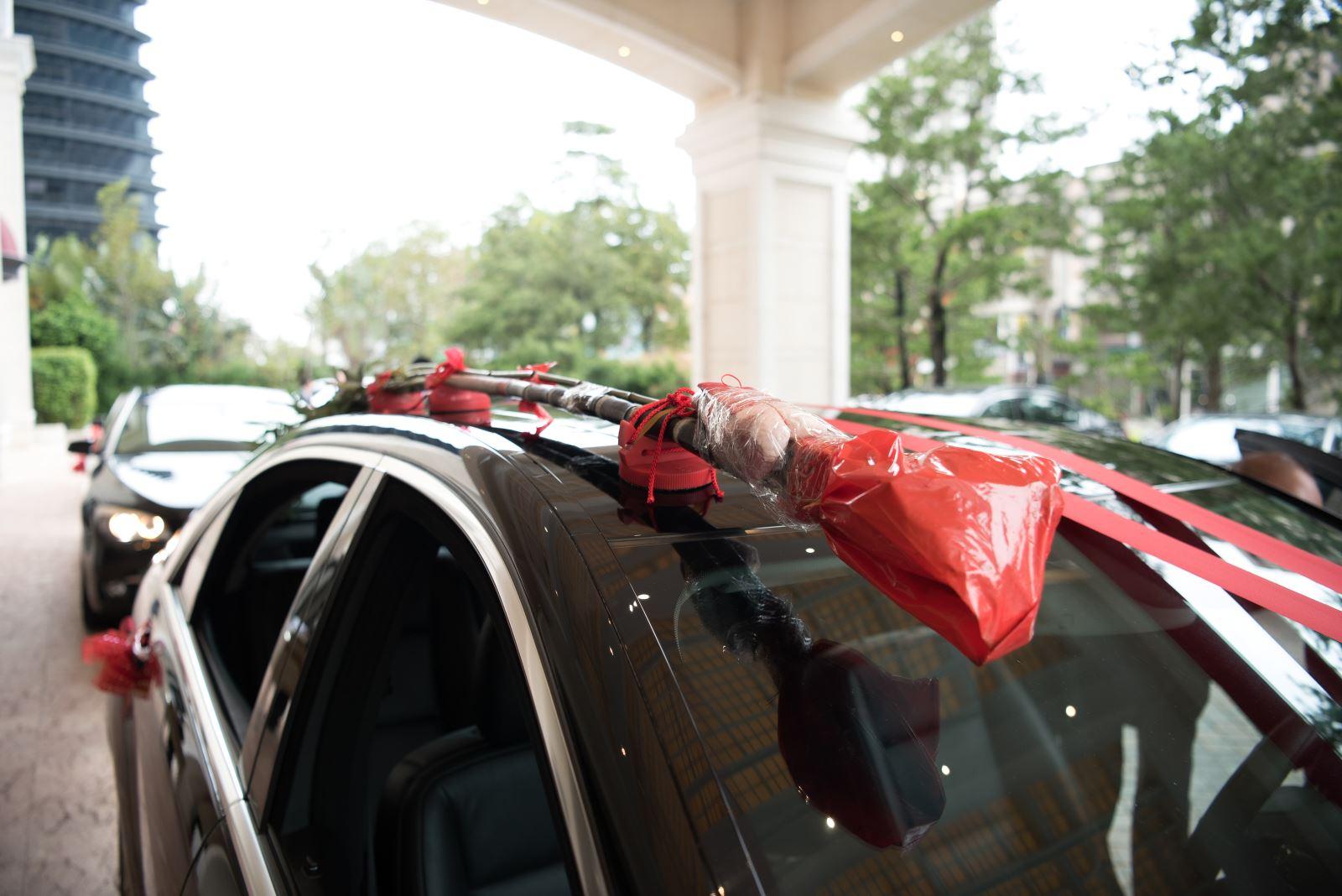 婚禮主持人代購新娘禮車上的甘蔗與豬肉