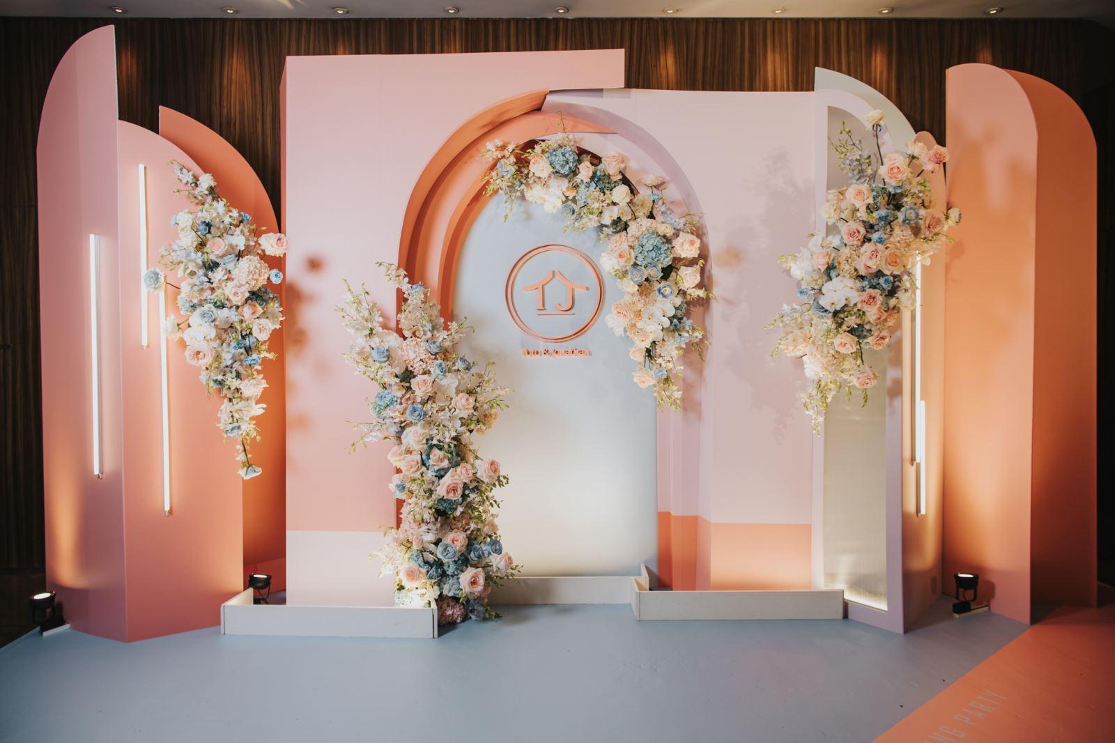 婚禮主持人推薦婚禮佈置廠商給新人做為參考
