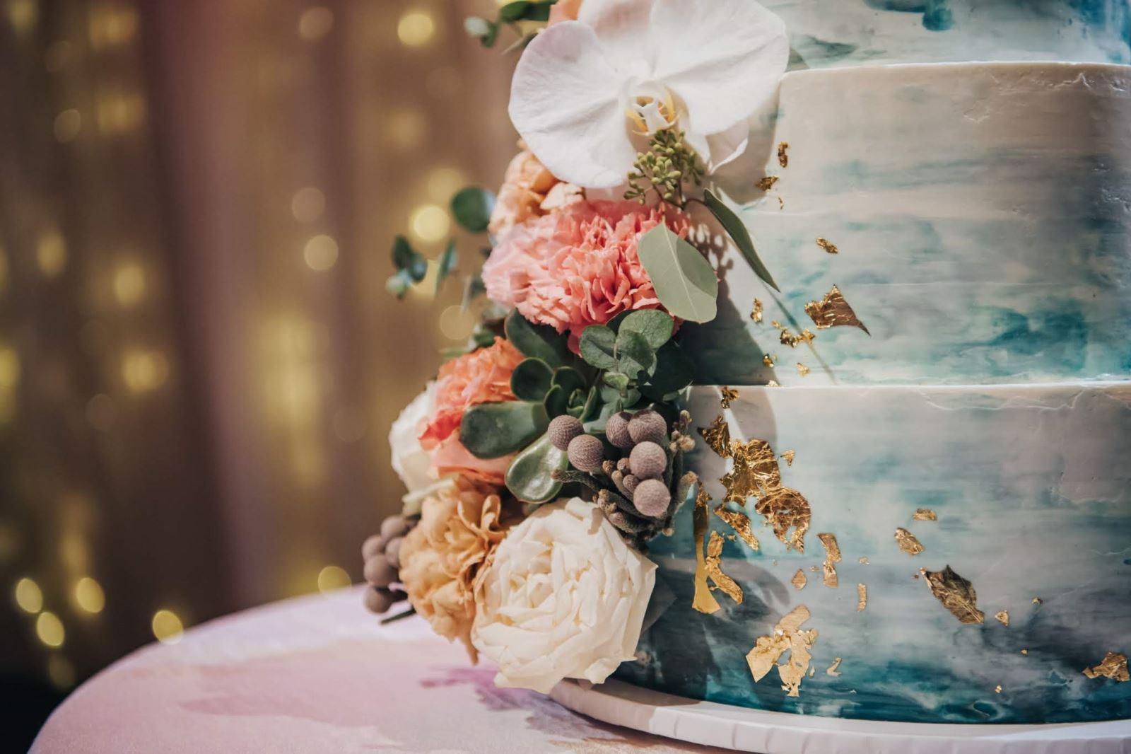 美式婚禮流行的金箔結婚蛋糕