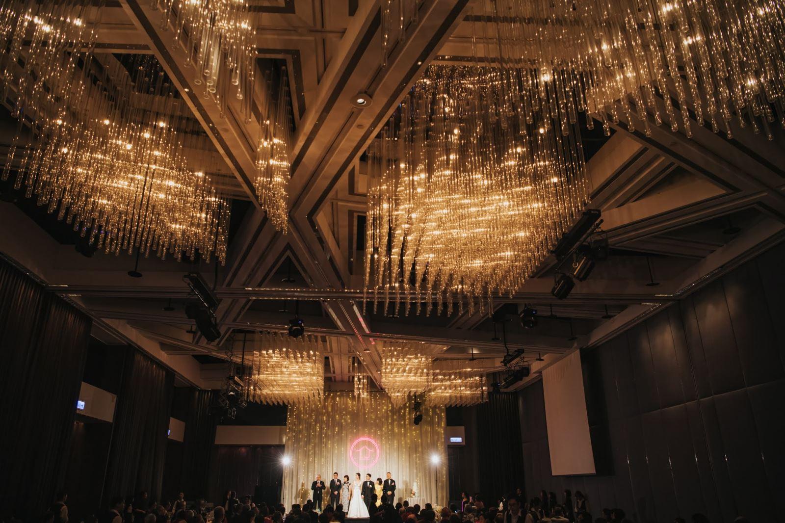 水晶燈的婚禮