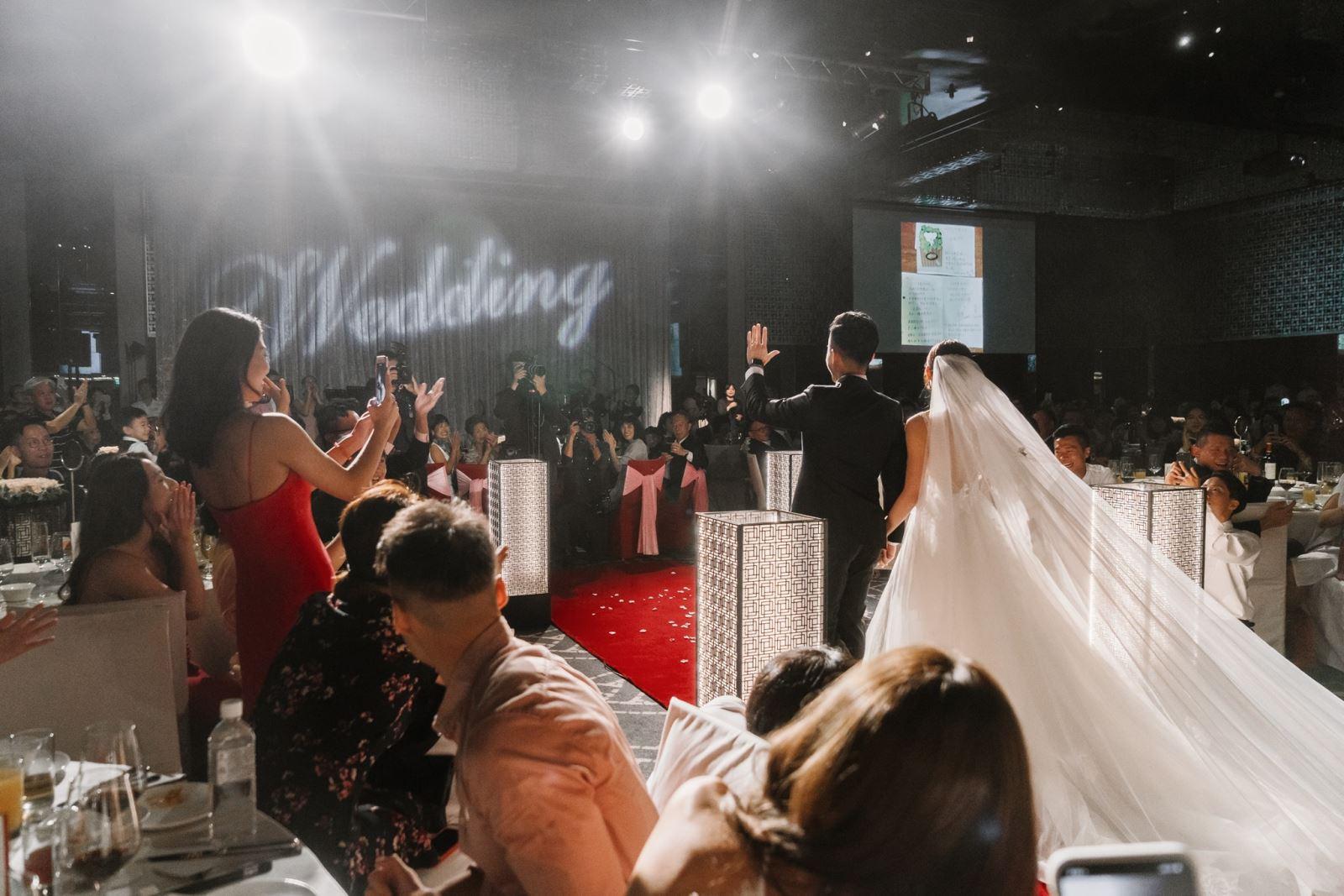 宴會廳的燈光與紅毯,婚禮中的注意事項