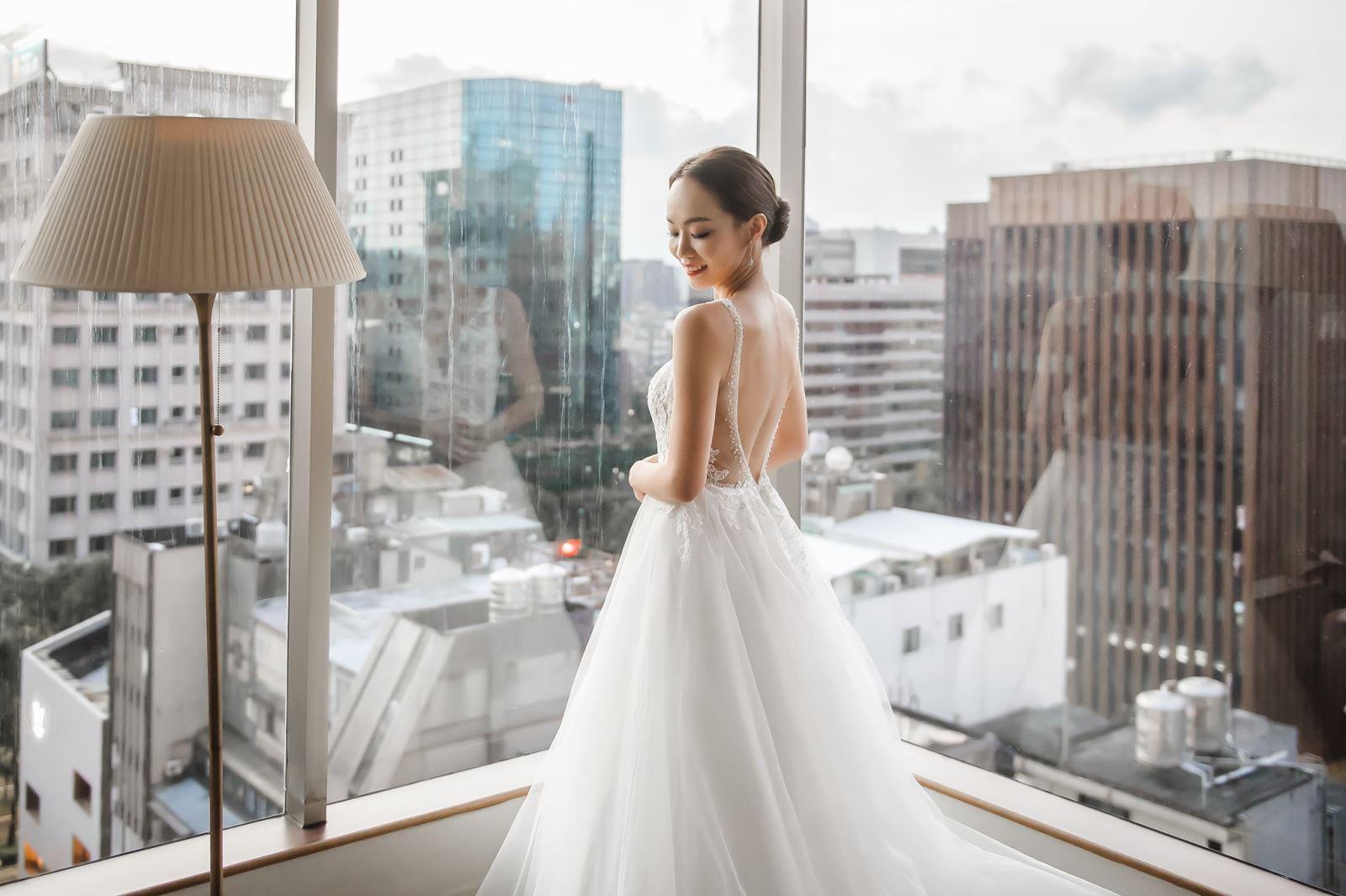 新娘房的落地窗,光線明亮,攝影師與錄影師的最愛