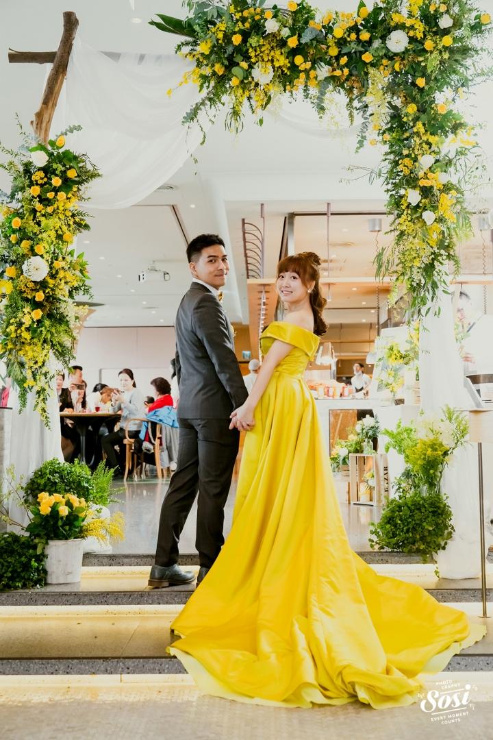 輕便禮服迎接婚禮
